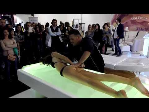 PEOPLE ARE AWESOME 2017 - His Handskill that win a massage contest - Best Massage GOD SKILL #2