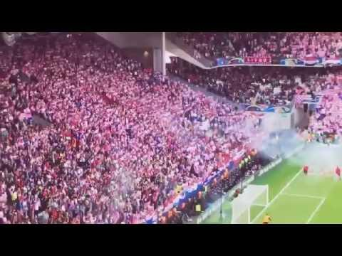 Croatia Fans Throwing Bengalos During Czech Vs Croatia | EM 2016 | 17.06.2016