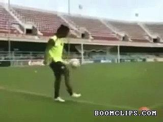 Ronaldinho Soccer Skills Video Clip   Sport Videos