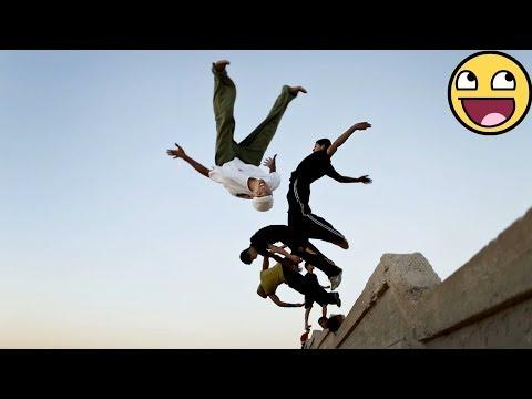 REVERSE VIDEO !!! PARKOUR AND FREERUNNING - AMAZING PEOPLE ARE AWESOME 2017