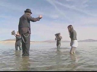 Criss Angel Mindfreak:  Walk On Lake