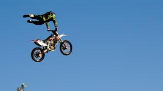 Amazing stunts The people are Awesome